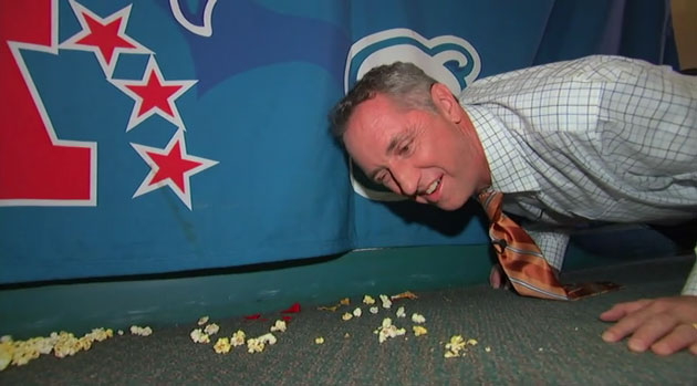 Rick_Reilly_Eats_Off_Carpet_Video